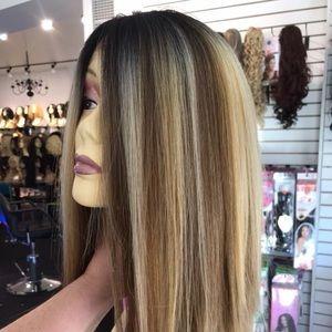 Accessories - Wig blunt cut bob ash blonde chicago USA Miami wig